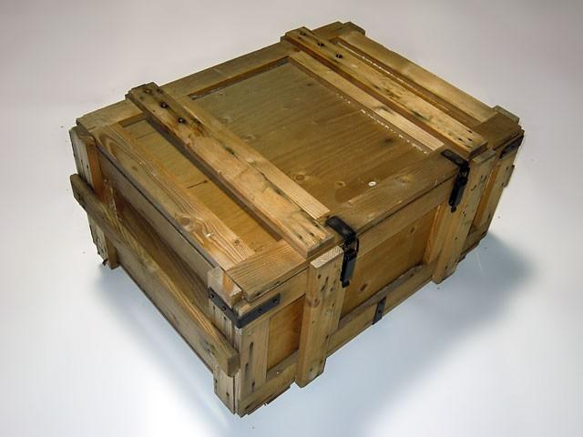 alte truhe holzkiste holztruhe tisch kiste couchtisch frachtkiste vintage mittel ebay. Black Bedroom Furniture Sets. Home Design Ideas